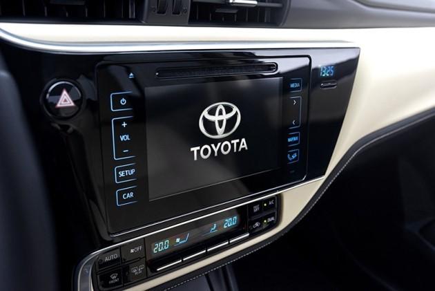 trang bị tiện nghi của Toyota Corolla Altis 2017