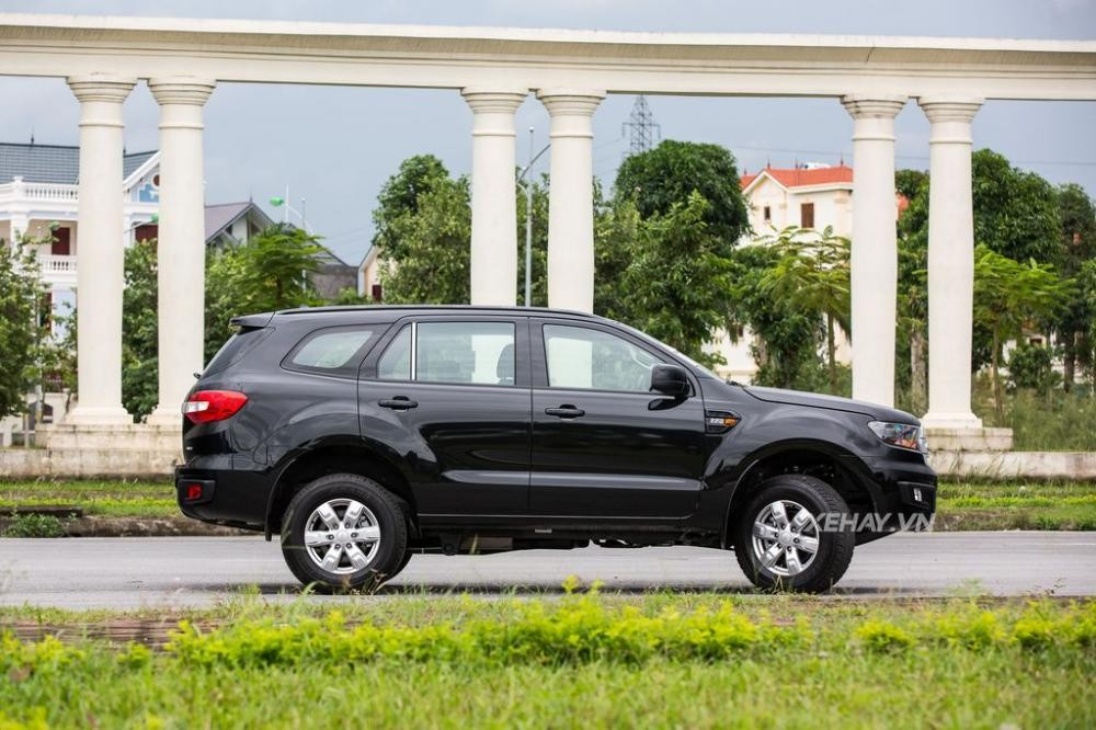 Ford Everest Ambiente 4