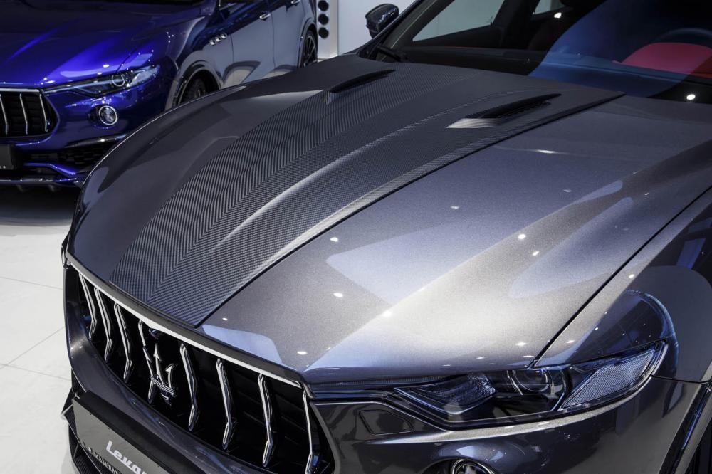 nắp ca pô Maserati Levante S 7