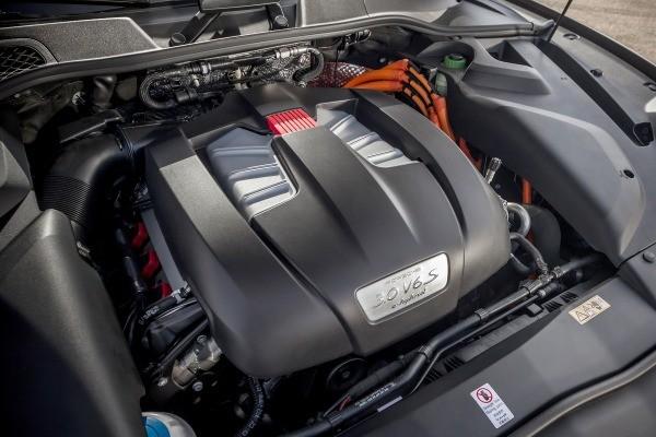 trang bị động cơ của Porsche Cayenne 2017