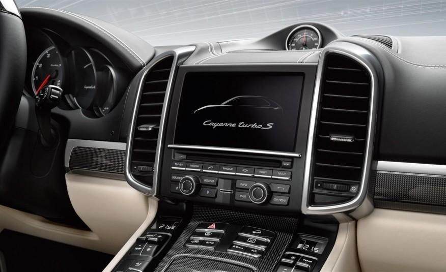 hệ thống thông tin giải trí của Porsche Cayenne 2017