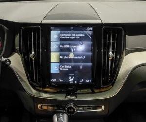 màn hình trung tâm của Volvo XC60 2018