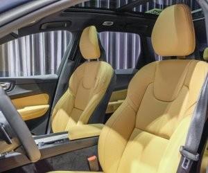 hàng ghế trước của Volvo XC60 2018