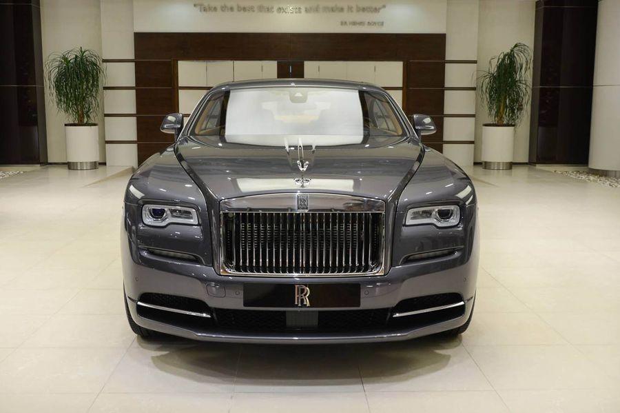 đầu xe Rolls-Royce Wraith 1