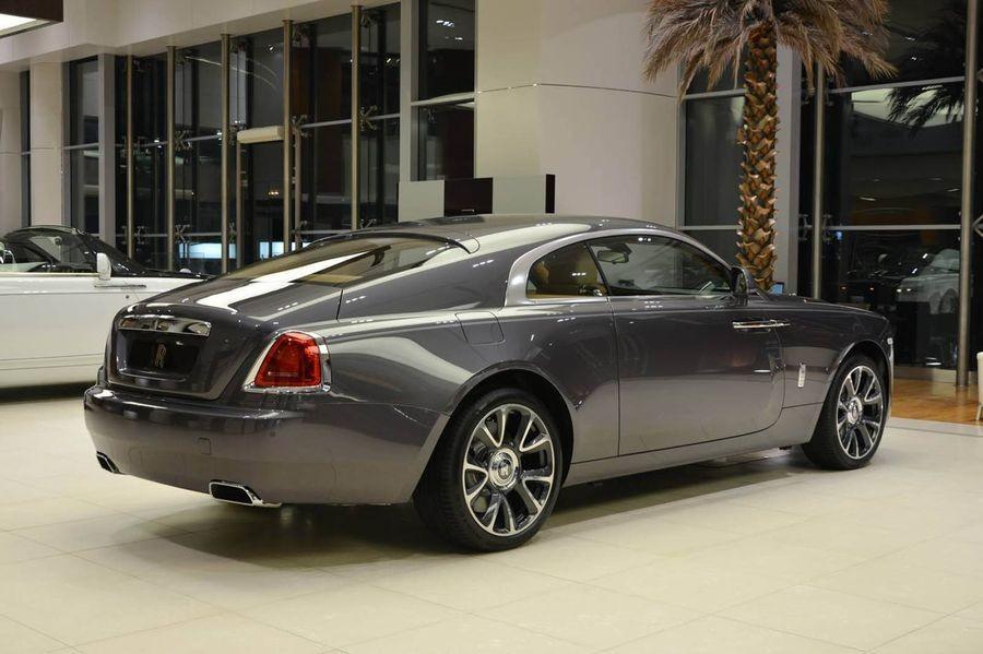 đuôi xe Rolls-Royce Wraith 4