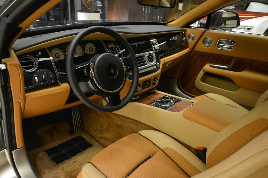 vô lăng Rolls-Royce Wraith 7