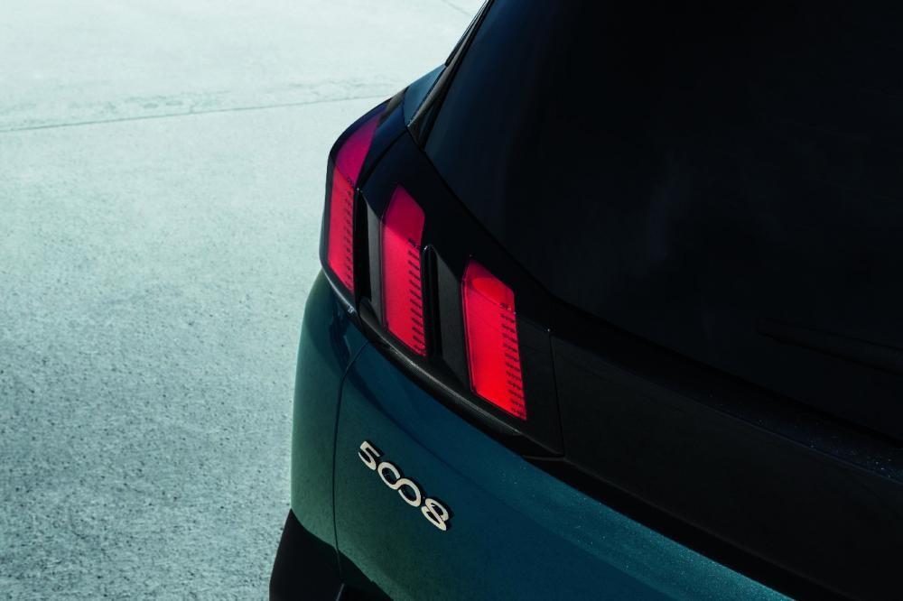 đèn hậu Peugeot 5008 10