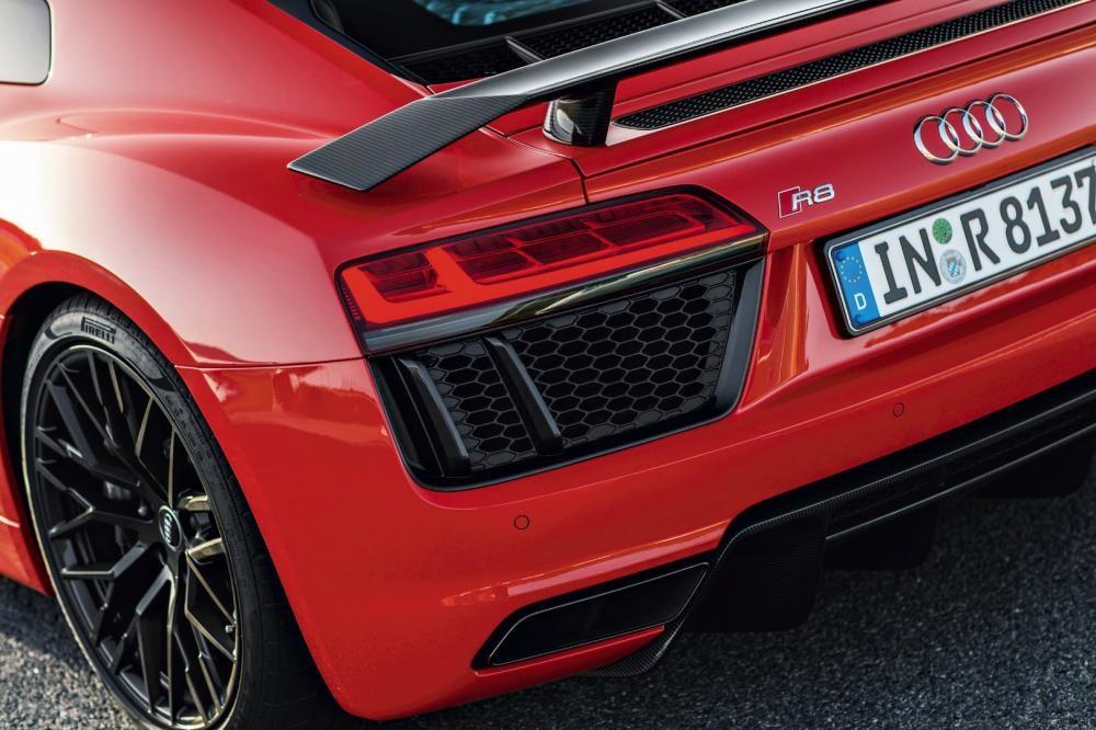 thiết kế đèn hậu của Audi R8 2017