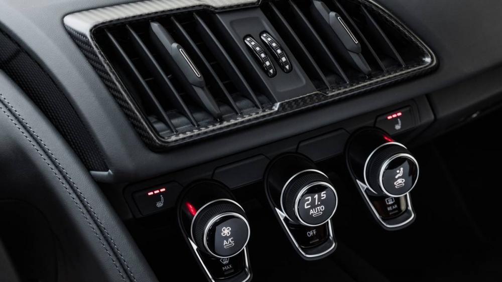 nút điều khiển nhiệt độ của Audi R8 2017