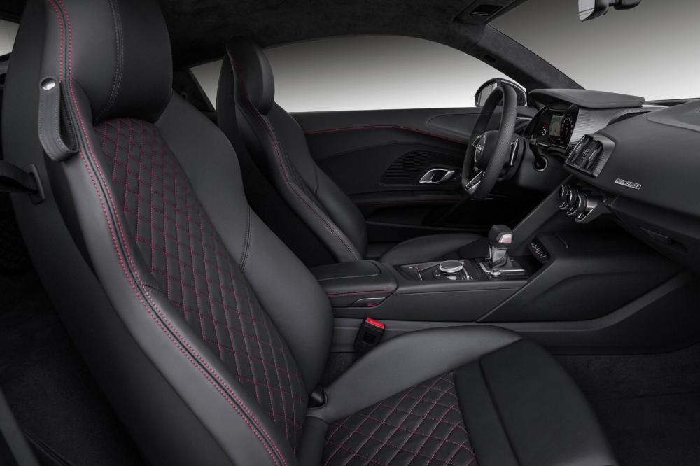 thiết kế ghế ngồi của Audi R8 2017
