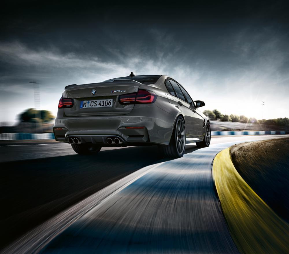 đuôi xe BMW M3 CS 2018 3