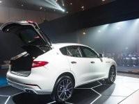 khoang hành lý của Maserati Levante 2017