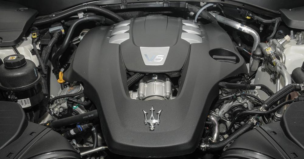 trang bị động cơ của Maserati Levante 2017