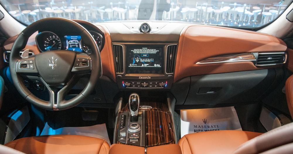trang bị tiện nghi của Maserati Levante 2017