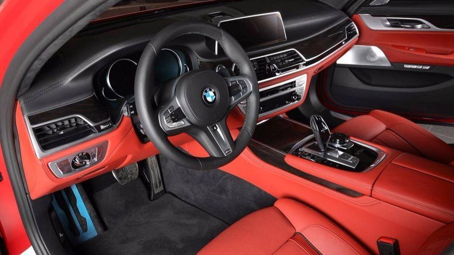 BMW M760Li xDrive 3