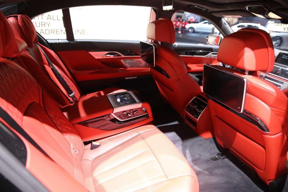 ghế xe BMW M760Li xDrive 15