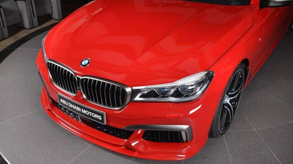 đầu xe BMW M760Li xDrive 4
