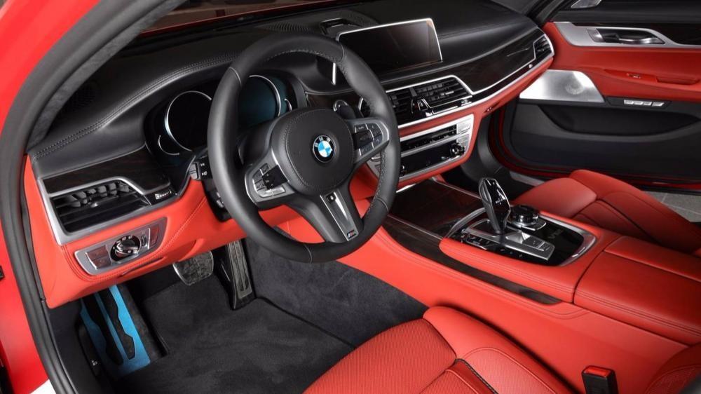 vô lăng BMW M760Li xDrive 13