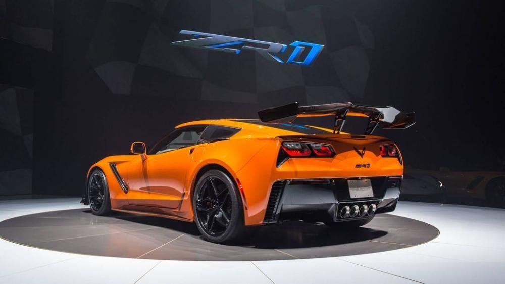 đuôi xe Chevrolet Corvette ZR1 2019 màu cam 7