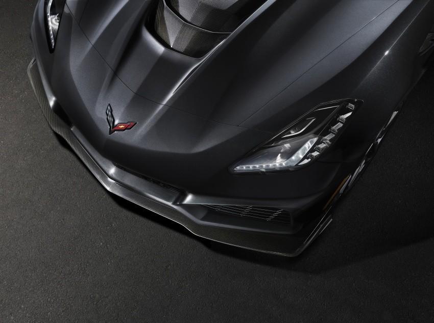 nắp ca pô Chevrolet Corvette ZR1 2019 4