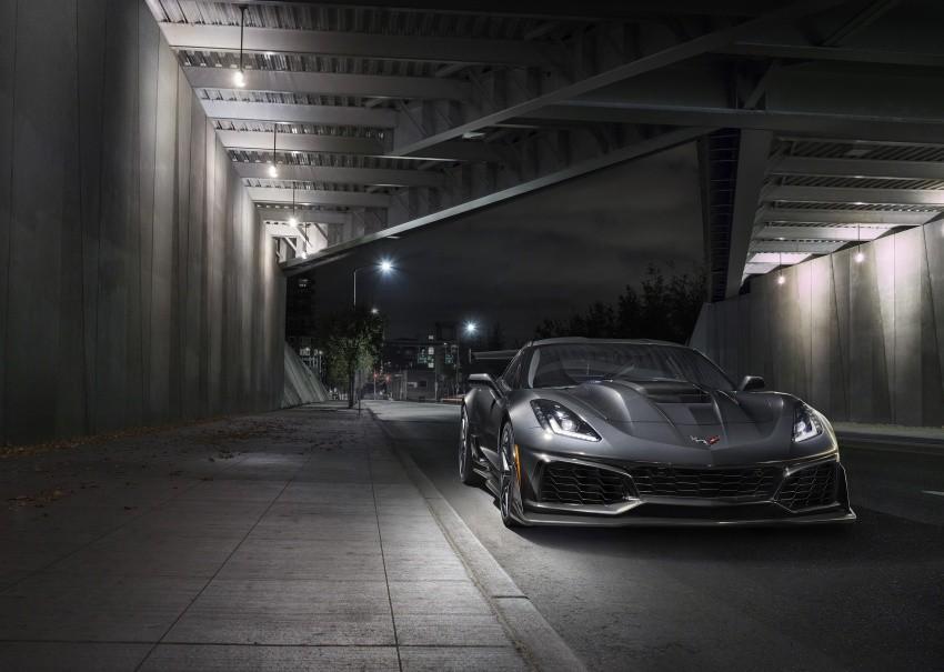 đầu xe Chevrolet Corvette ZR1 2019 1