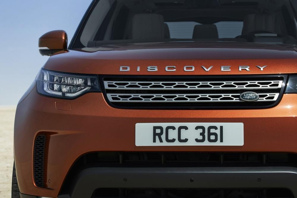 lưới tản nhiệt Land Rover Discovery 2018 10