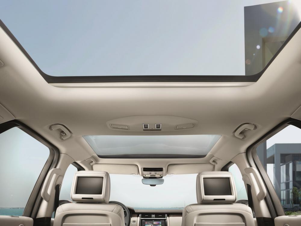 cửa sổ trời Land Rover Discovery 2018 17