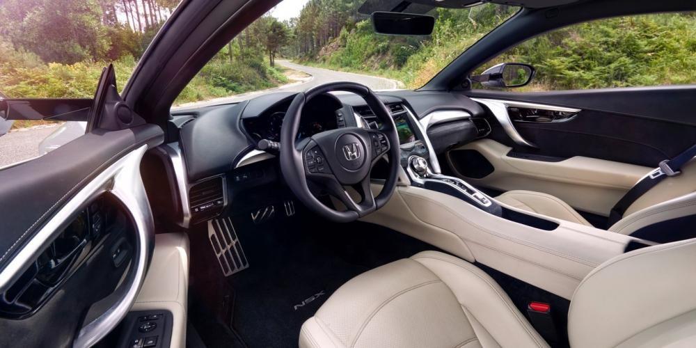 nội thất Honda NSX 2017 16
