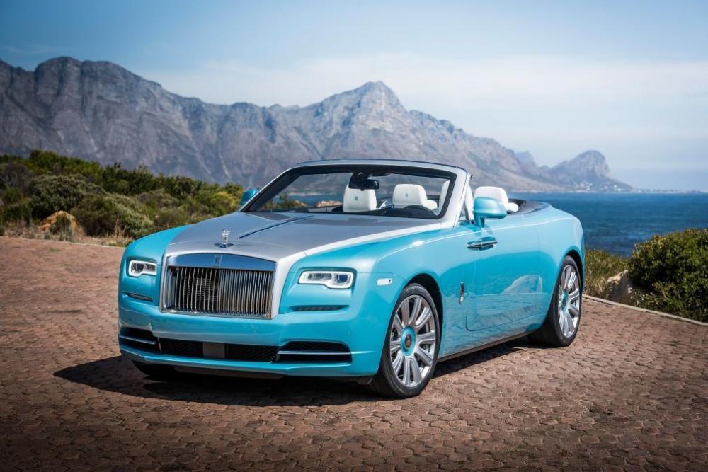 đầu xe Rolls-Royce Dawn 1