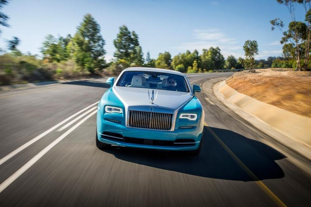 Rolls-Royce Dawn trên đường chạy 4