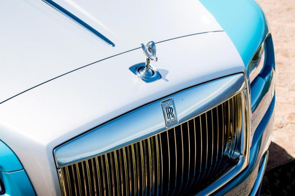 biểu tượng Rolls-Royce Dawn 8