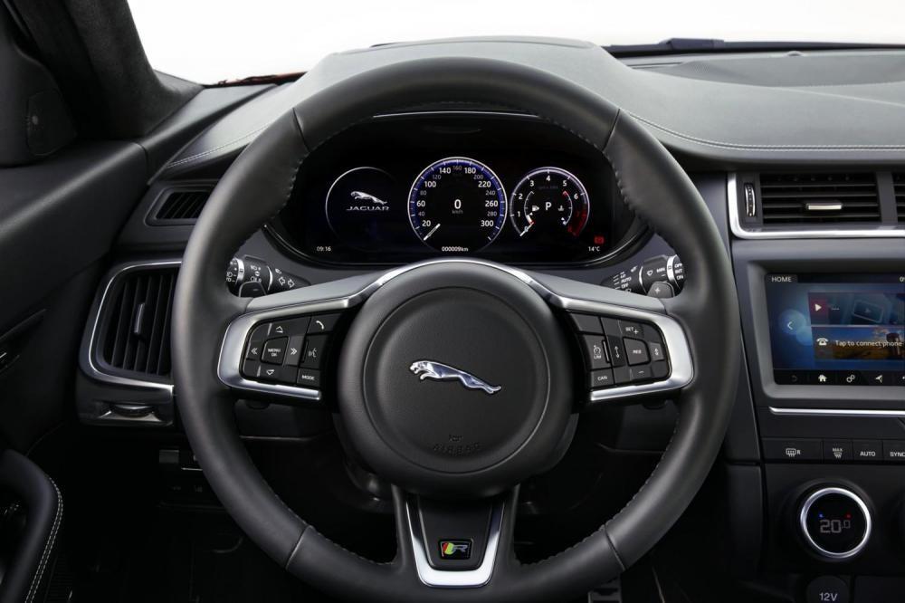 vô lăng Jaguar E-Pace 2018 10