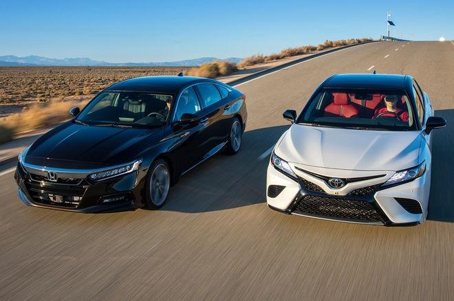 So sánh xe Honda Accord 2018 và Toyota Camry 2018