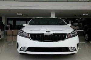 thiết kế đầu xe Toyota Corolla Altis 2017 và Kia Cerato 2017