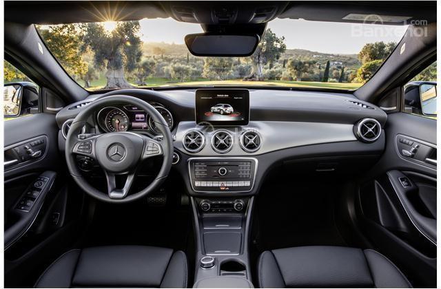 Mercedes-Benz GLA 2018 sở hữu hệ thống thông tin giải trí COMAND mới, hiện đại hơn