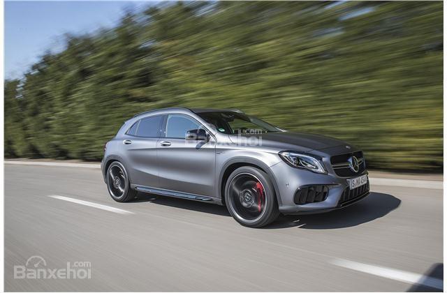 Mercedes-Benz GLA 2018 sở hữu động cơ mạnh mẽ hơn đi kèm khả năng tăng tốc vượt trội hơn