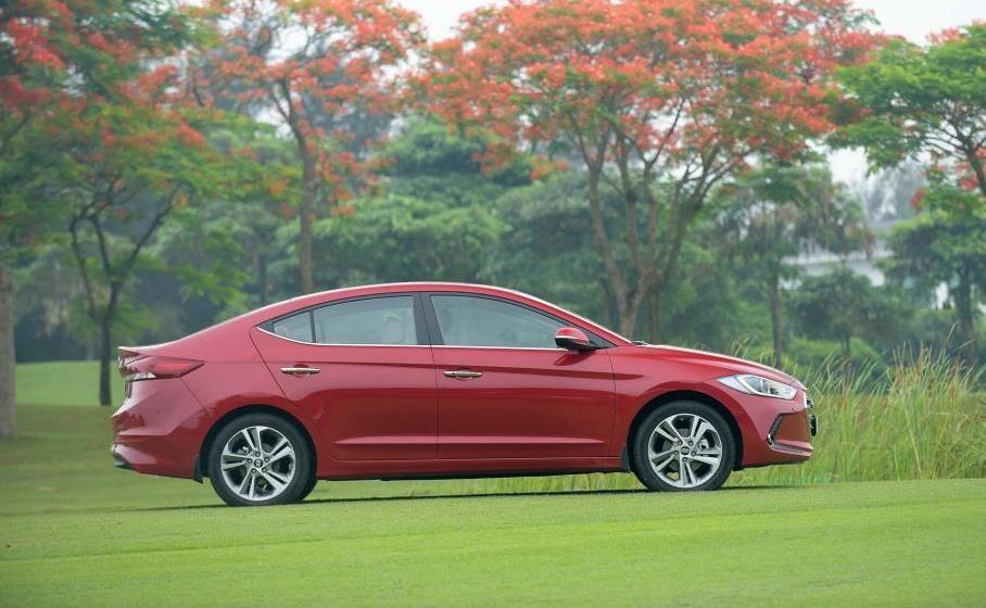 So sánh xe Chevrolet Cruze và Hyundai Elantra