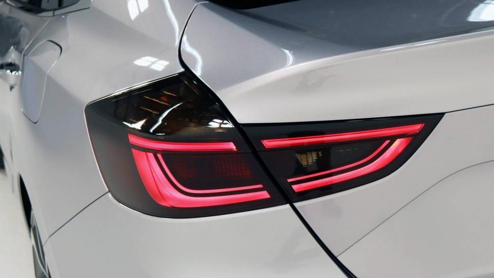 Cận cảnh đèn hậu của Honda Insight 2019