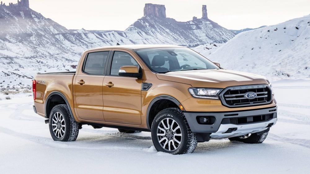 Ford Ranger 2019 đứng trên tuyết