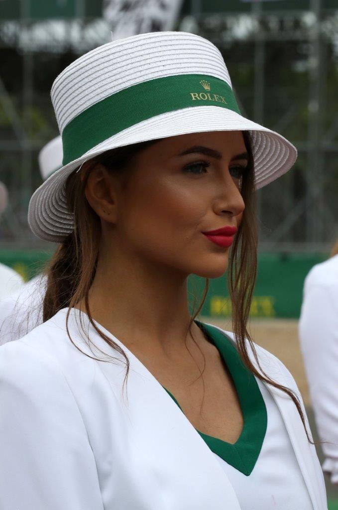 Lần cuối nhìn lại những bức ảnh đẹp nhất về dàn người mẫu đường đua F1 2017 - 24
