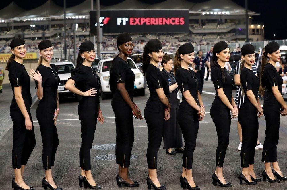 Lần cuối nhìn lại những bức ảnh đẹp nhất về dàn người mẫu đường đua F1 2017 - 33