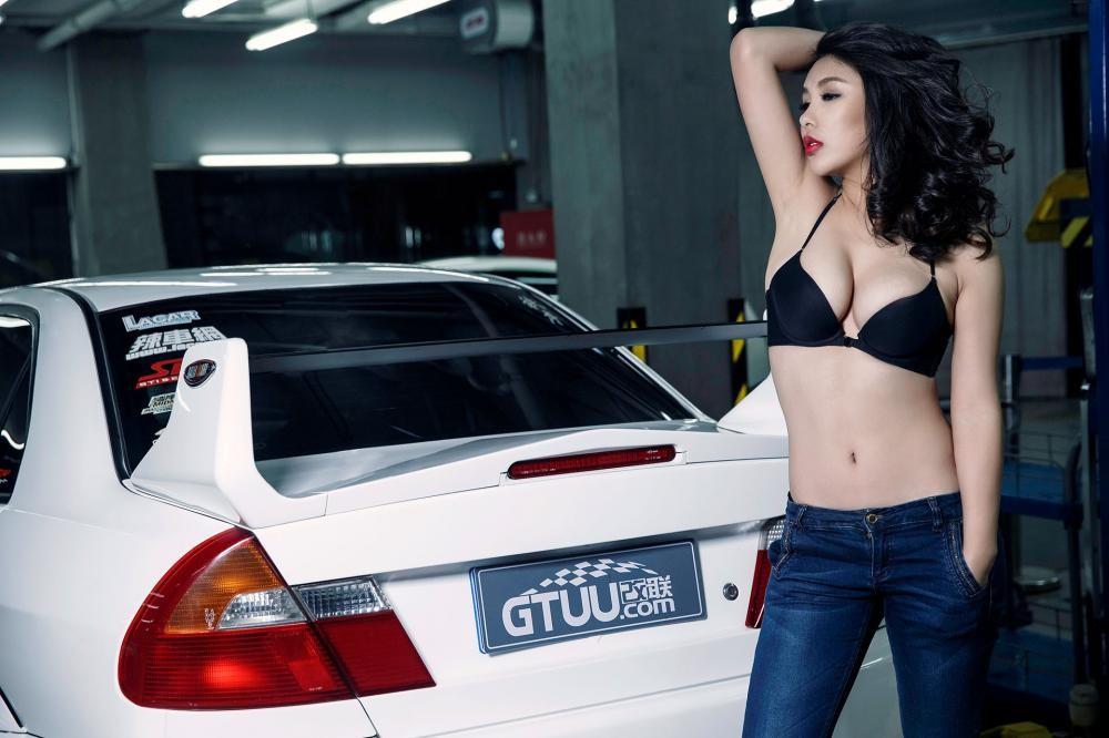 Nóng mắt với người đẹp Trương Hủ Phi bên chiếc Mitsubishi EVO V - 14
