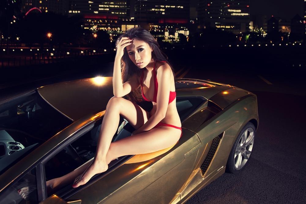 "Người mẫu diện bikini đỏ gợi cảm bên siêu xe Lamborghini Gallardo LP560-4 ""Kim Ngưu"" - 5"
