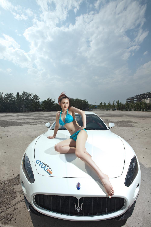 Rửa mắt cuối tuần với người đẹp nuột nà bên chiếc Maserati GranTurismo S - 9