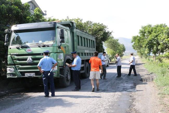 Vận chuyển hàng nguy hiểm, tài xế bị phạt đến 3 triệu Đồng