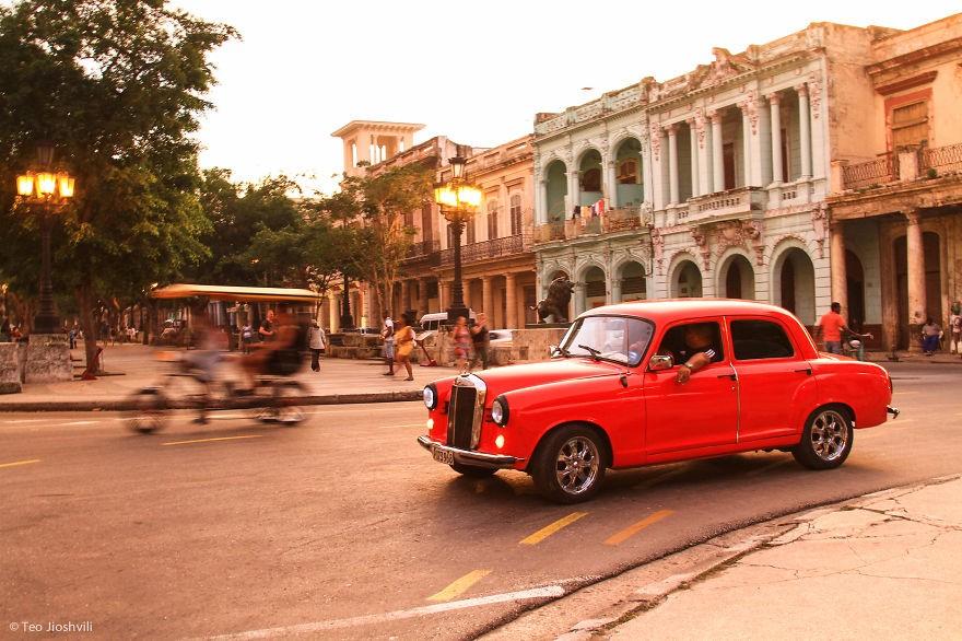 Cuba: Thiên đường xe cổ và câu chuyện mua bán ô tô khác lạ