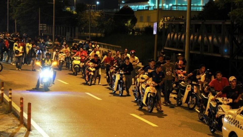 Malaysia: Giảm tuổi có bằng lái xe máy xuống còn 14