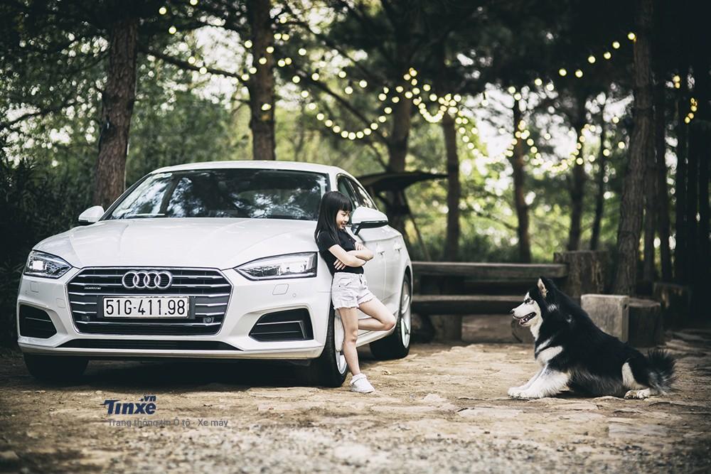 Audi A5 Sportback khác lạ trong ngôi nhà gỗ bên rừng - 2