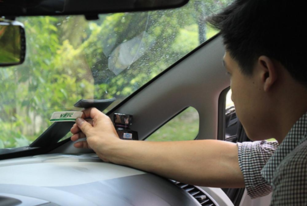 Dán thẻ thu phí tự động: Sẽ thực hiện cưỡng chế trên 3 triệu ô tô còn lại