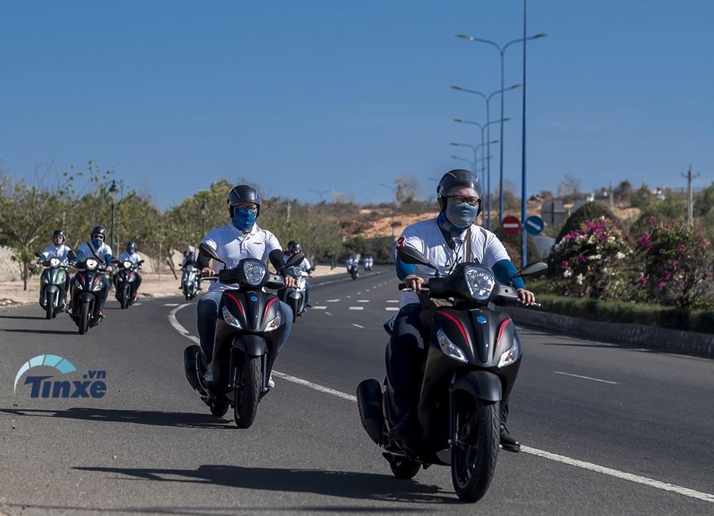 Những chiếc xe Piaggio Medley ABS 2018 trên cung đường trải nghiệm dài 170km dành cho phóng viên.